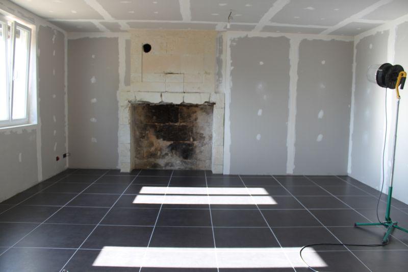 Renovation un an pour tout changer for Carrelage sans plinthe